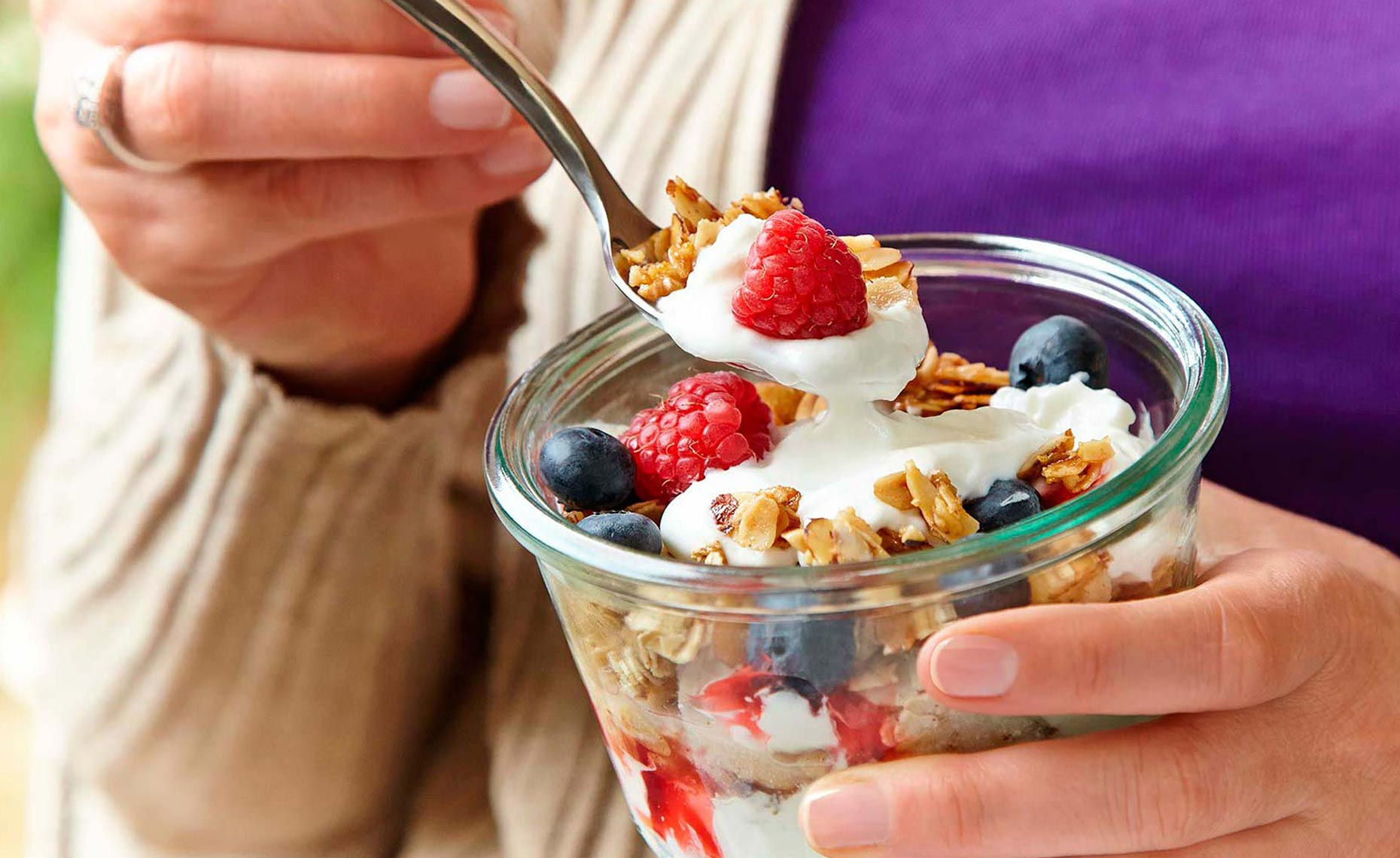Granola_Yogurt_Wide_FULL